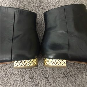 Banana Republic Women's Black Leather Ankle Boots